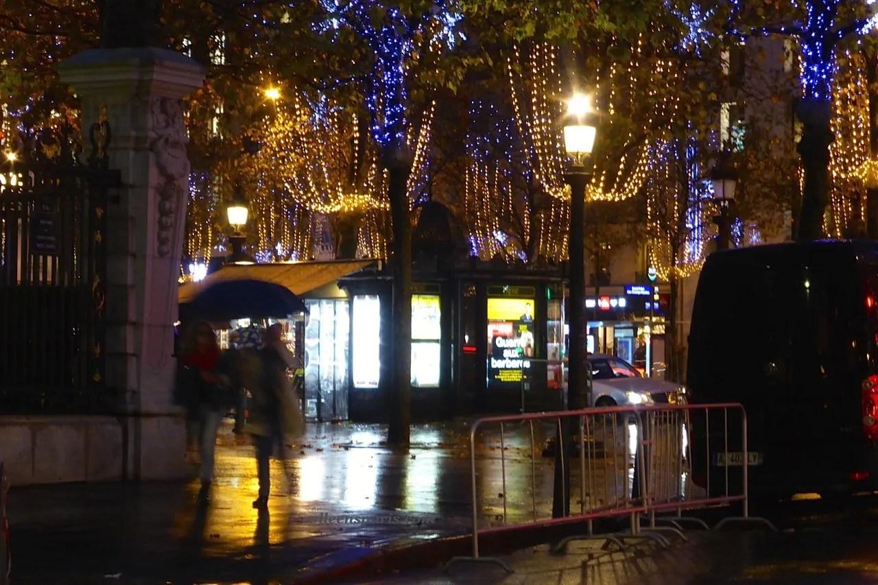 Holiday illuminations Champs Elysees 851