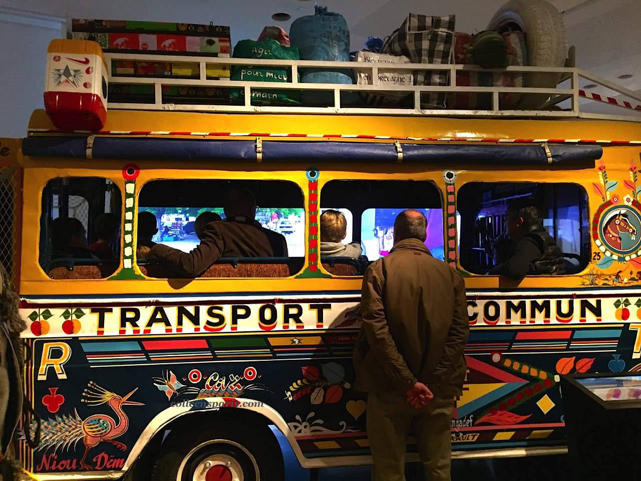 Musee Homme car rapide 6009