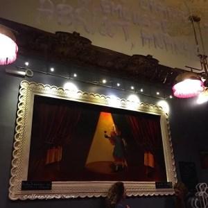 Déco of Café du Theatre, 17 Rue René Boulanger, 75010 Paris