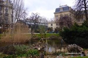 Park at Square du Temple in the 3rd arrondissement