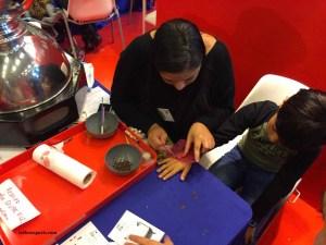 Chocolate hand painting Salon du chocolat Junior
