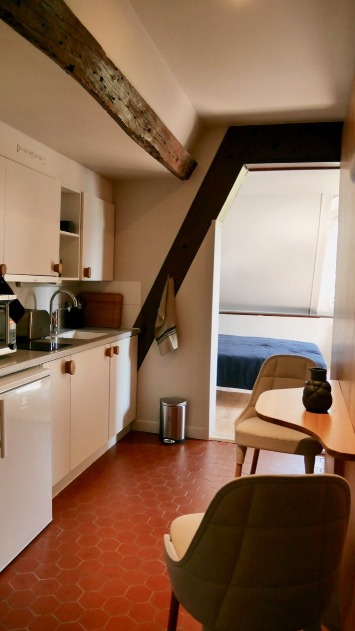 "Kitchen view of apartment ""Murmure de couture"""
