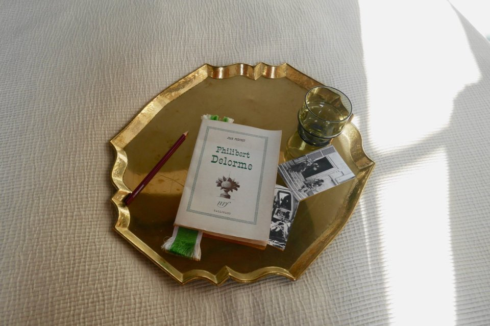 Tray from 50 years ago, with a book about Philibert Delorme and other objects #l'Institute Suédois