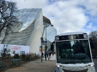 FLV Shuttle in front of Fondation Louis Vuitton