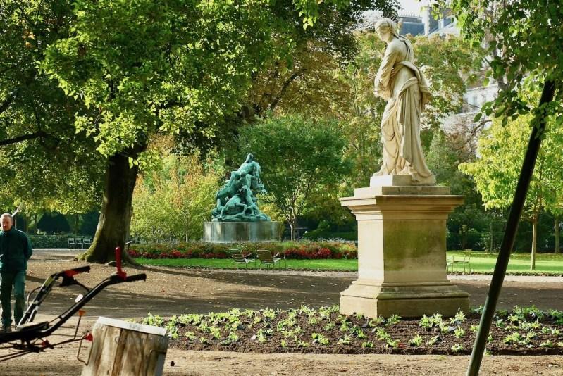 LuxembourgGardens_ColleensParis_Gardeners_P2800784