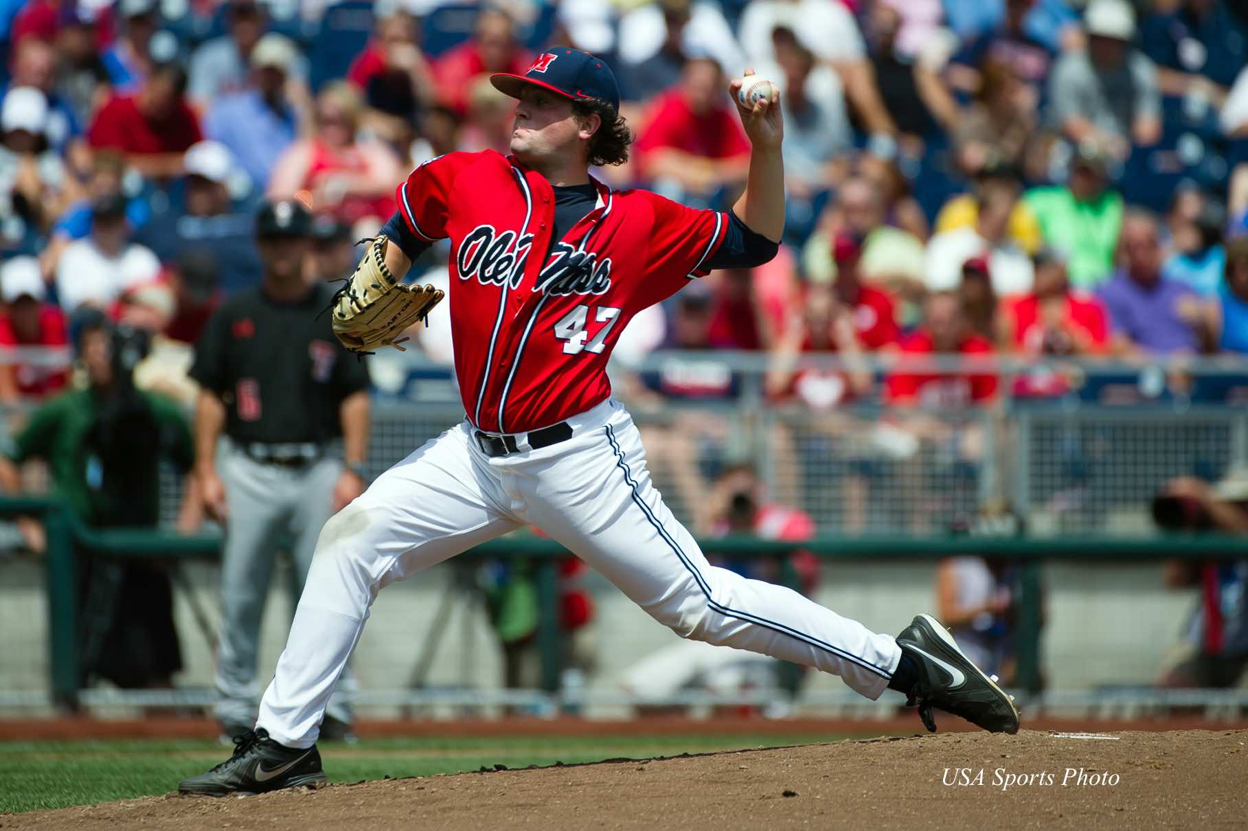 7bfd436ad Jun 17, 2014; Omaha, NE, USA; Mississippi Rebels pitcher Christian Trent