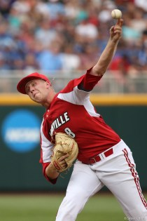2017 College World Series: TCU eliminates Louisville 4-3.