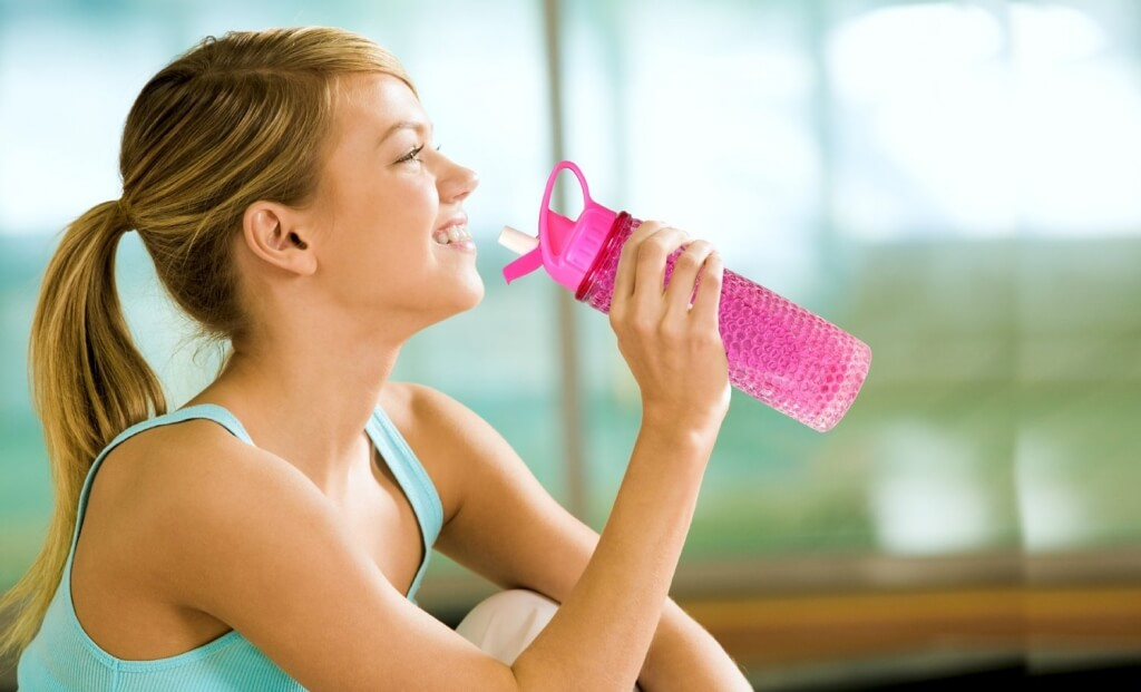 Keep Hydrated Top 10 CollegeFriendly Water Bottles  College Magazine