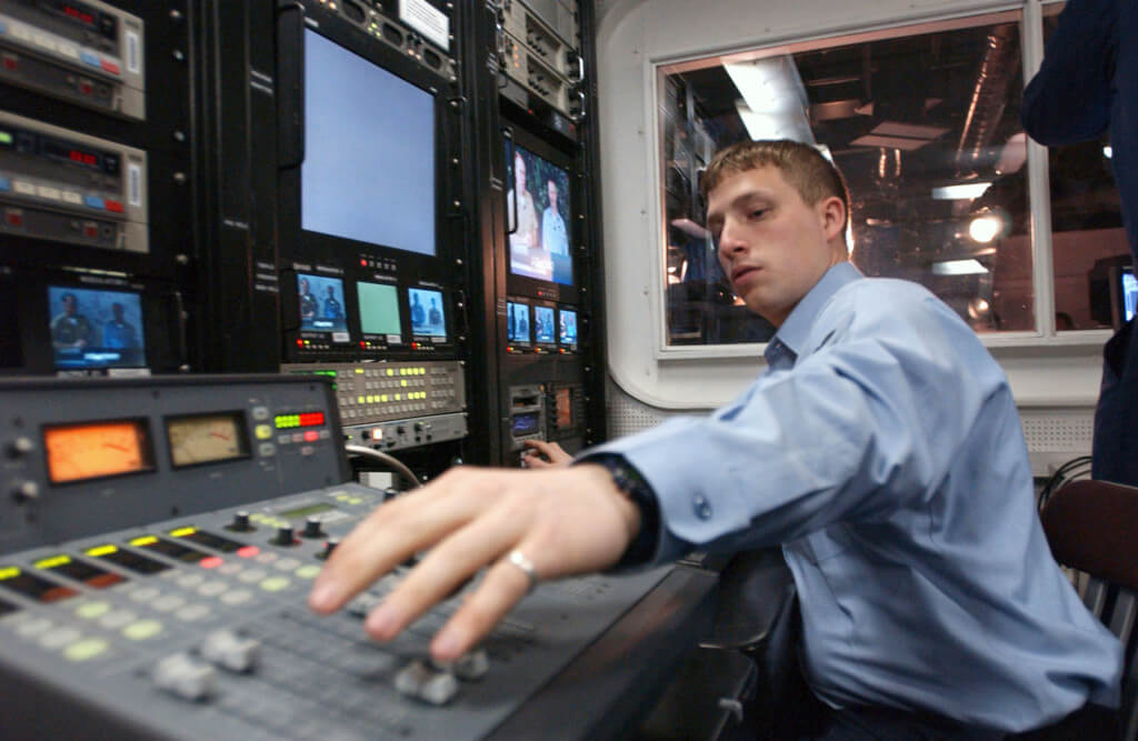 How to Become a Broadcast Journalist