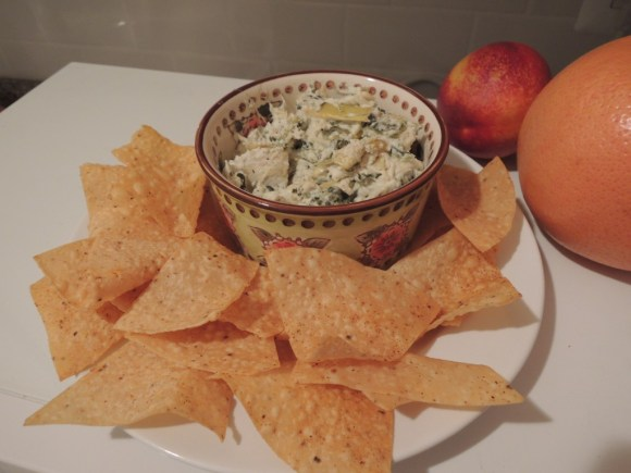 Cheesy, Gooey Spinach Artichoke Dip