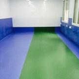 Sala colegio con pavimento vinílico (PVC) Premium
