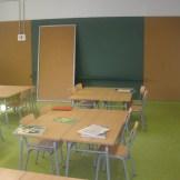 Aula escolar con pavimento vinílico (PVC)