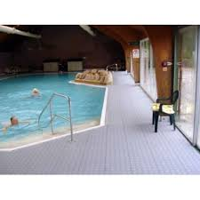 Pavimento antideslizante piscina