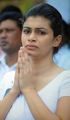 """Hirunika - Now the politics is equal to underworld and money and politicians are like jokers."""""""