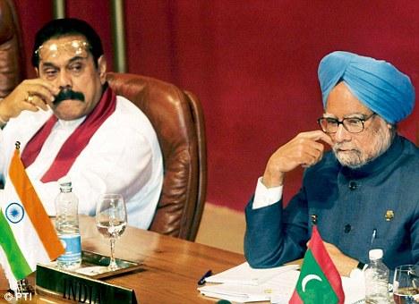 Prime Minister Manmohan Singh with Sri Lankan President Mahinda Rajapaksa