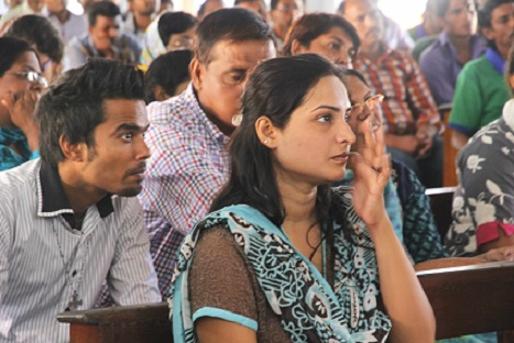 Hina Milwood, 28, a Pakistani Christian refugee in Sri Lanka attends Mass with other refugees in Negombo town in January. (Photo courtesy: Jimmy Domingo | ucanews.com )