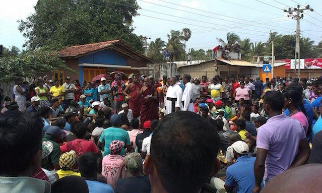 protest-fishing-community-in-kalpitiya