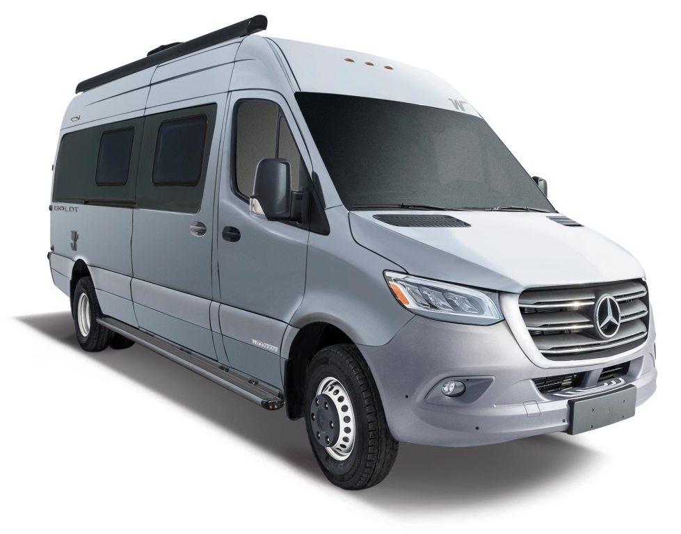 New Winnebago Class A & C Motorhomes for Sale: Colonial RV