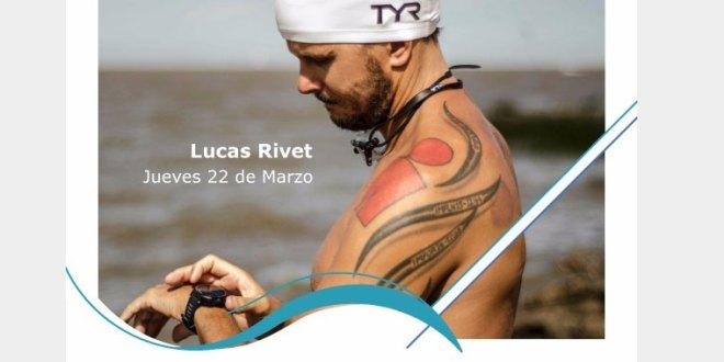 Cruce a nado del Río de la Plata