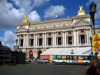 La place de l'Opéra à  Paris
