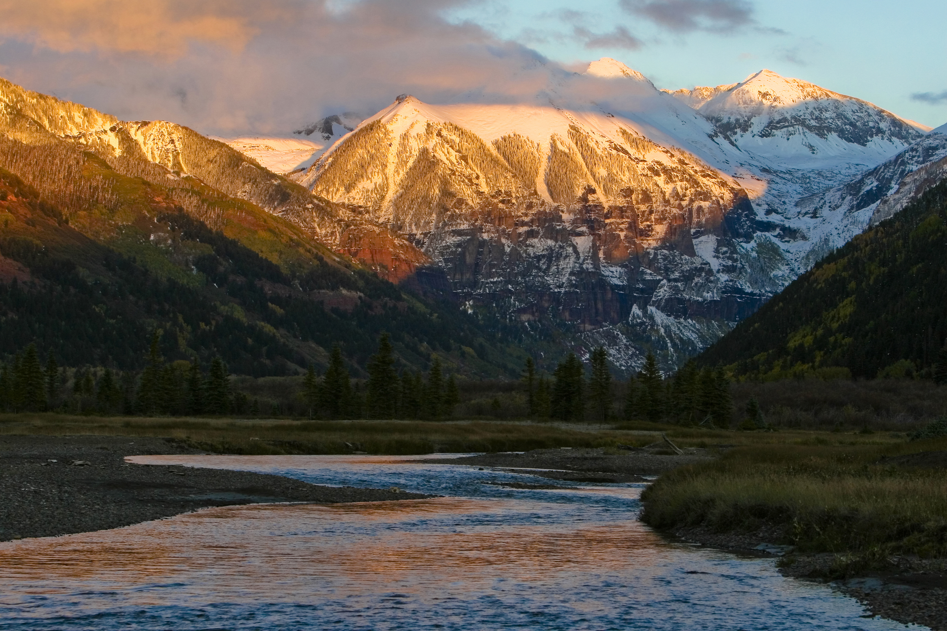 Fall Mountains Hd Wallpaper Pictures Mountains Near Telluride Painted Gold By A Colorado Sunset