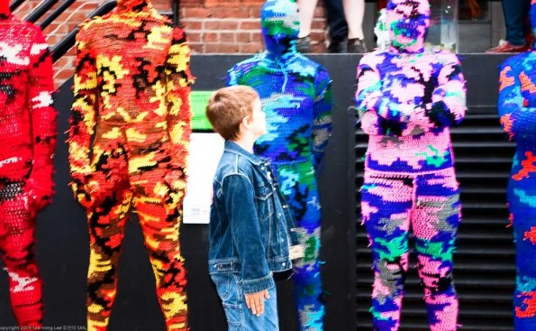 Art Inspires the Curious Minds / 100% Acrylic Art Guards by Agata Olek / Dumbo Arts Center: Art Under the Bridge Festival 2009 (Photo - See-ming Lee, flickr).