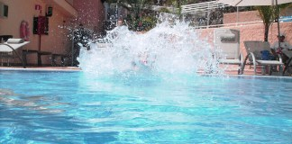 Swimming pool splash