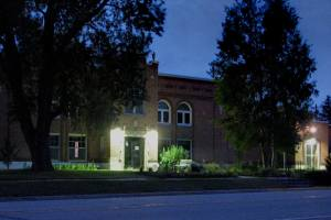 Custer County Courthouse, Westcliffe, after Dark Sky-friendly lighting installed
