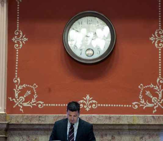 Update | Effort to recall Senate President Leroy Garcia falls short