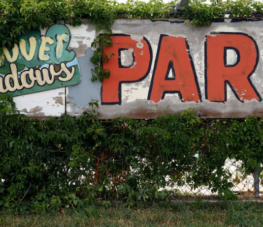 Parked: Aurora considers how to preserve mobile-home parks after park's closure