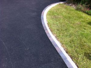 Tarmac edge course