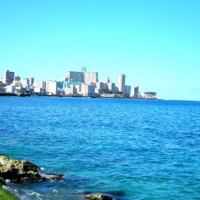 Malecón de La Habana ( A 4 minutos caminando)