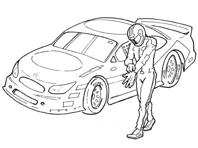 Coloriage Pilote devant voiture de course dessin gratuit à