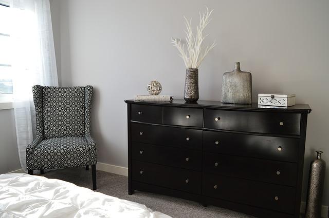 Le pareti color sabbia tortora stanno bene ovunque in casa, specie in soggiorno, camera da letto e in bagno,. Pareti Color Tortora Per Interni Ed Esterno Tutti Gli Abbinamenti Colorivernici It