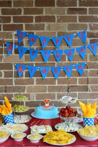 Supergirl Birthday table close up