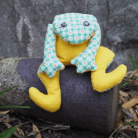 Meet Froggy: A Free Frog Softie Pattern