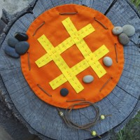 An Easy Sewing Project for Boys and Girls: Tic Tac Toe to Go