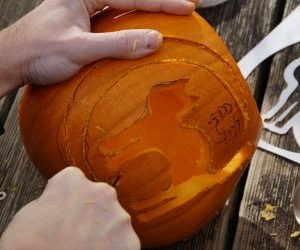 zucche di halloween intagliate-foto intaglio