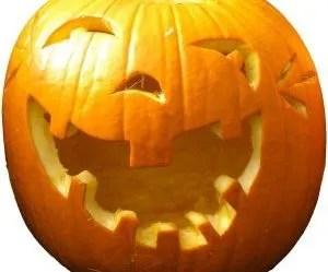 festa di halloween-zucche intagliate-faccia