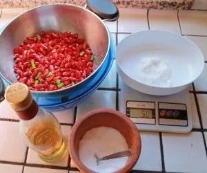 Ingredienti per i peperoncini sottolio