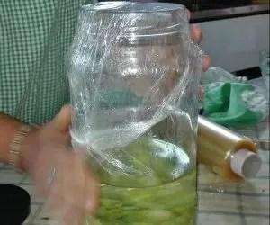 Chiusura ermetica artigianale del limoncello