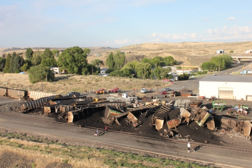 Coal Train Derails En route to Columbia River Gorge