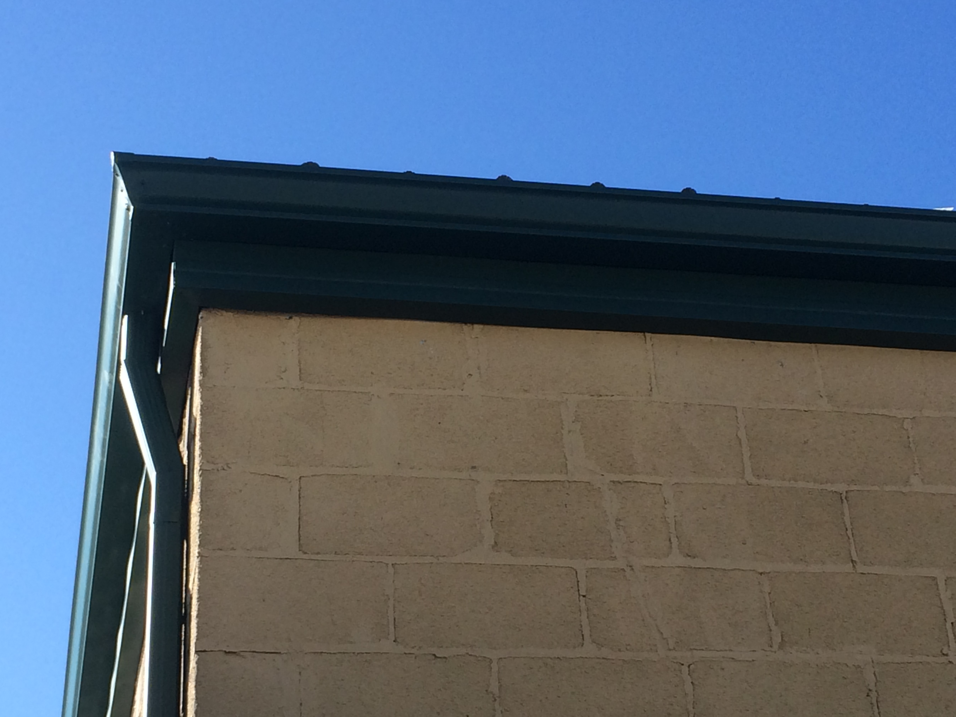 187 Superior Seamless Gutters