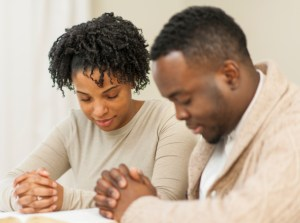 THE PASTOR WHO TAUGHT MARRIED COUPLES ABOUT PRAYER – Combat