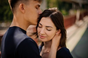 7-signs-that-confirm-he-is-hopelessly-in-love-with-you