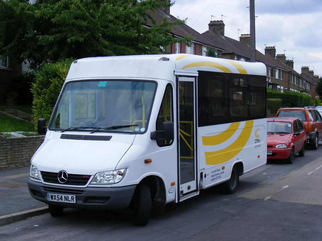 Ways to Save Money on Minibus Insurance