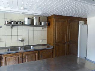 Profi-Kuche - Schränke und Kühlschrank