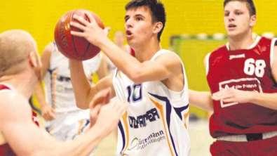 Calvin Arvanitakis und die Baskets Lüdenscheid unterlagen beim Heimdebüt dem TV Gerthe 60:80. Foto: Krüger