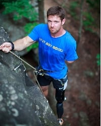 Noah-Galloway-climbing