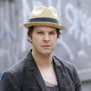 Agent and agency for booking and hiring GAVIN DeGRAW